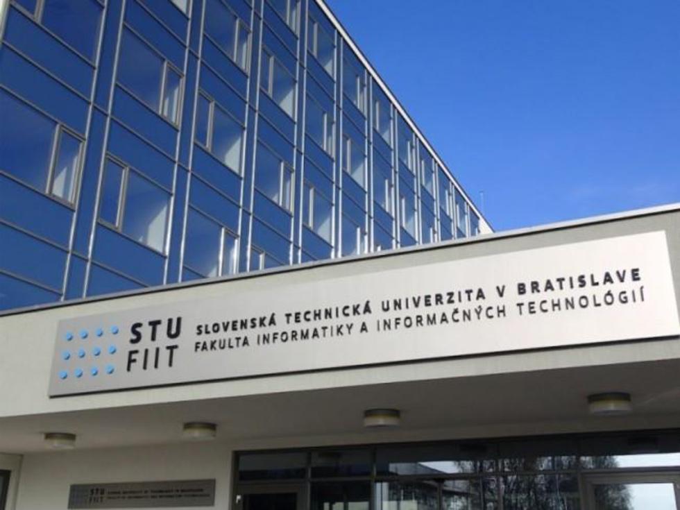 Факультет информатики и информационных технологий СТУ в Братиславе