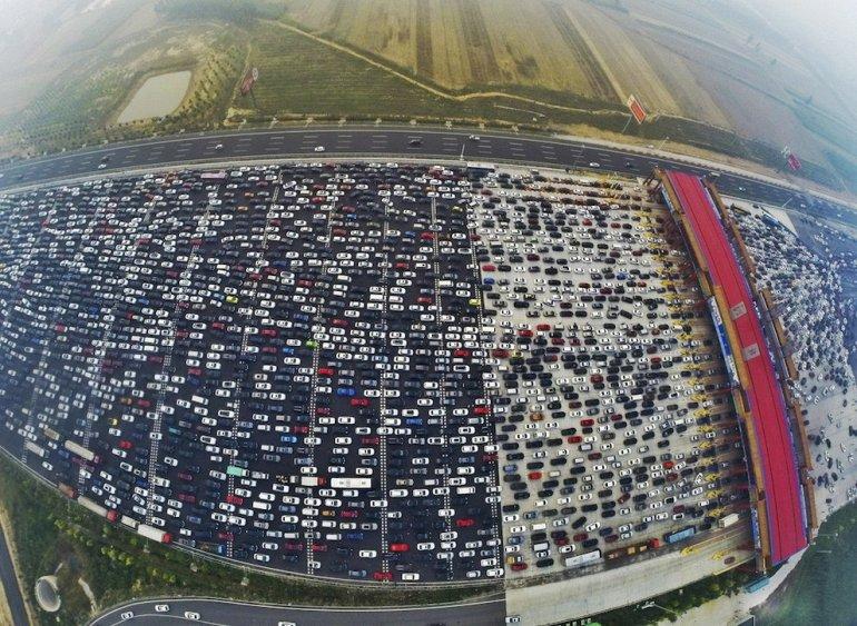 Гигантская 50-полосная пробка в Китае…-min
