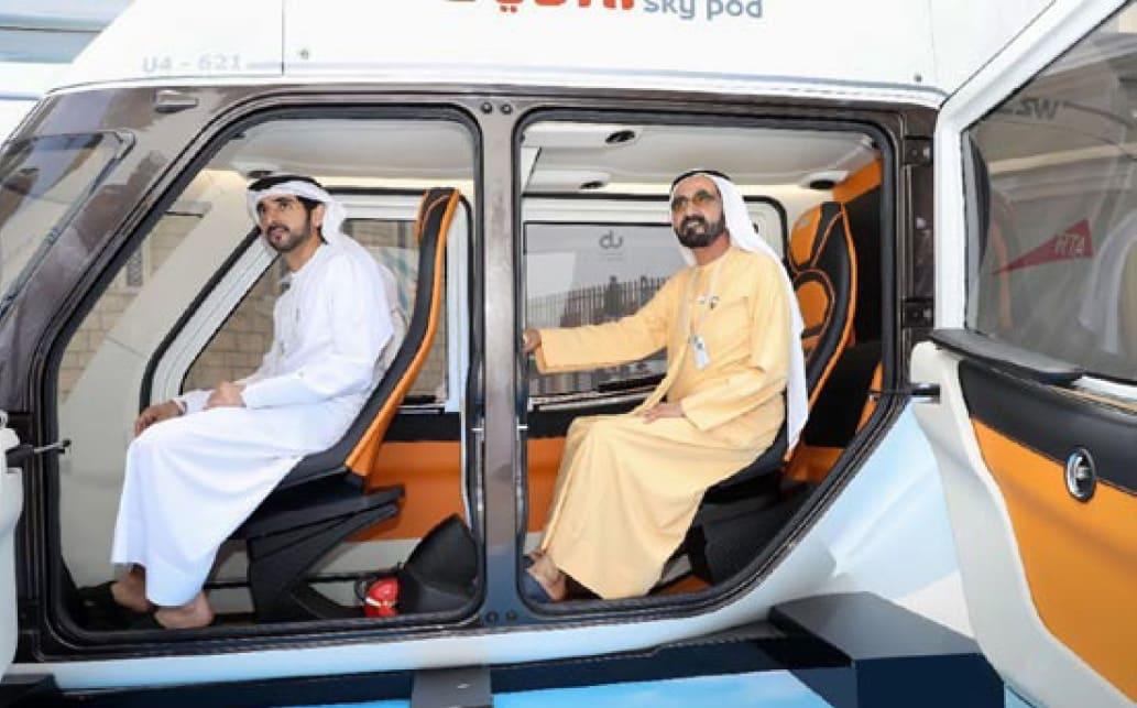 Арабские шейхи испытывают новый для себя вид транспорта (1)