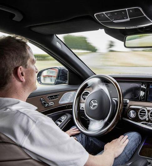 mercedes-benz-with-autonomous-driving