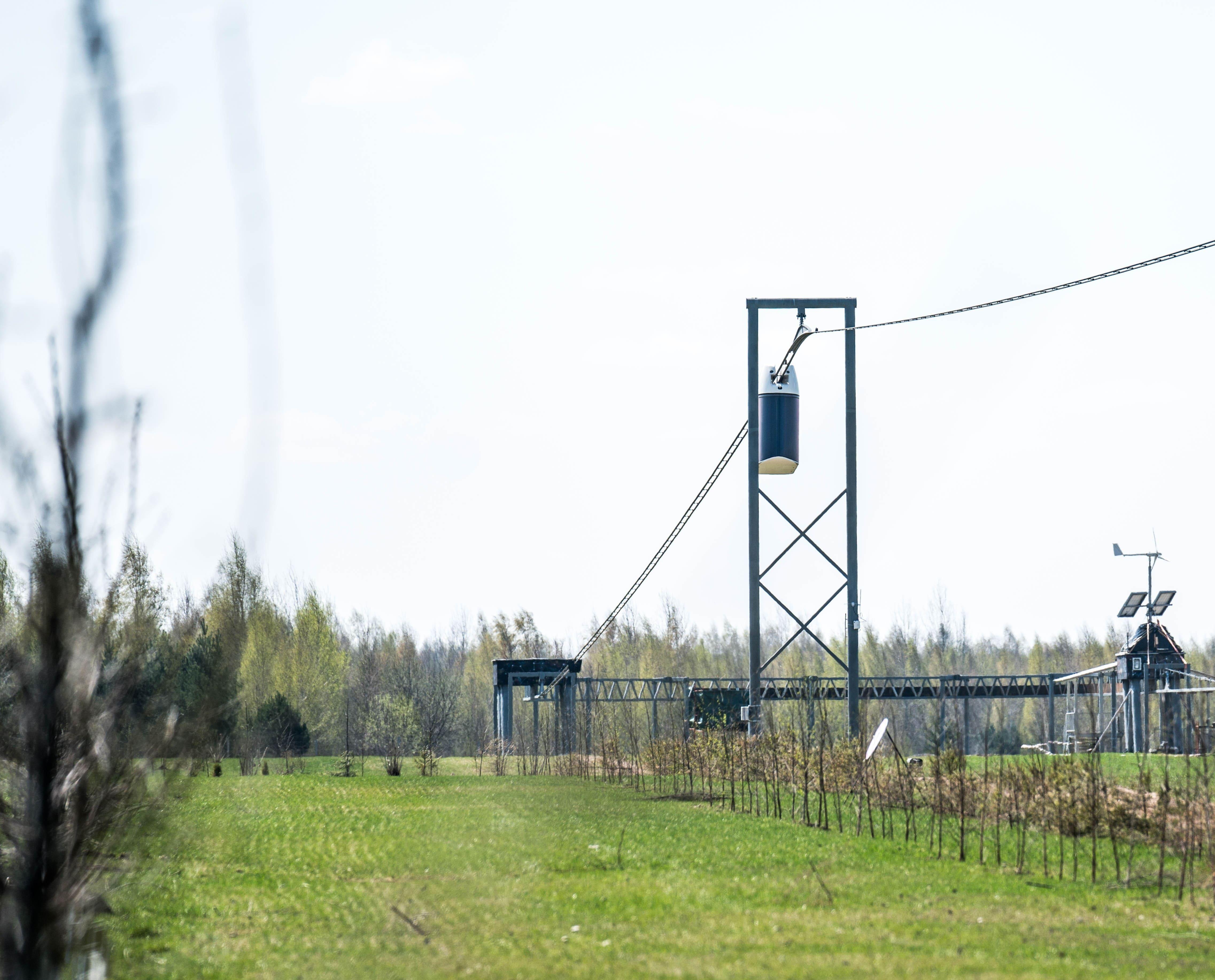 юнибус на провисающем пути в экотехнопарке скайвей (1)